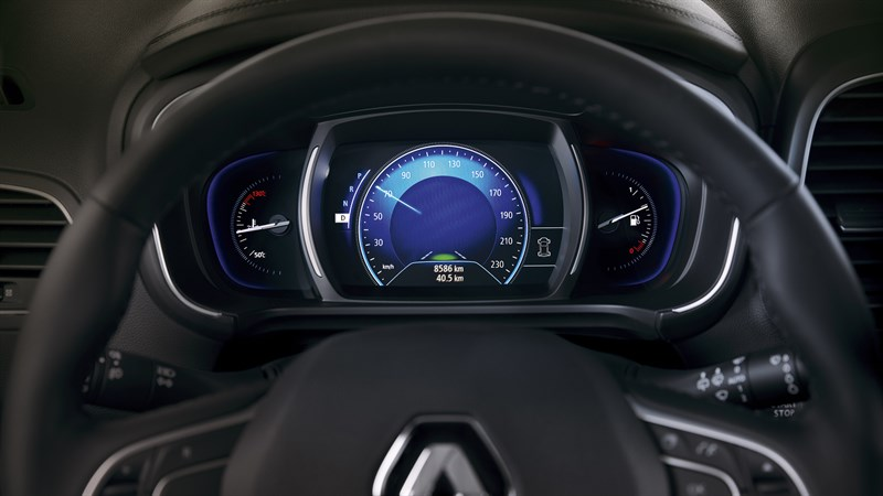 Renault KOLEOS - close-up of steering wheel and dashboard