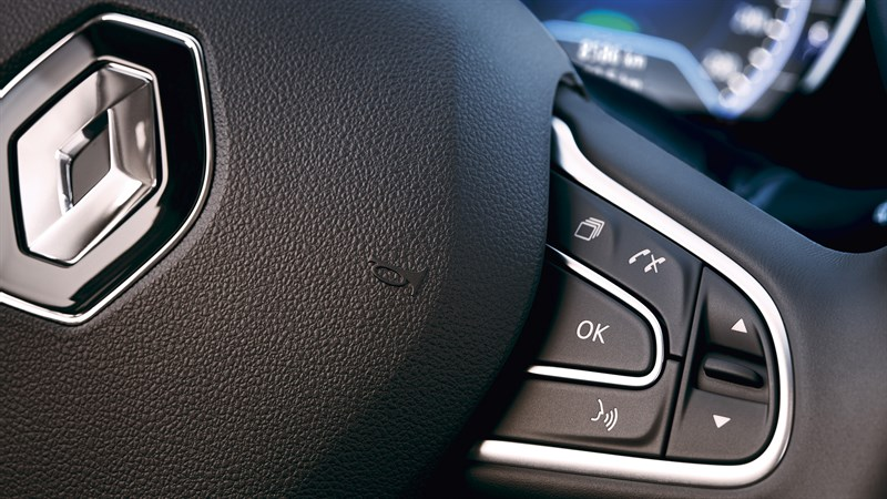 Renault KOLEOS - close-up of steering wheel and steering wheel controls