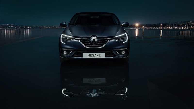 Renault MEGANE Sedan - Front end view of the vehicle at night